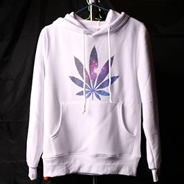 Wit sweaterafdrukvoorbeeld met A2 t-shirt printer WER-D4880T