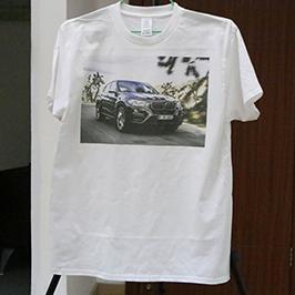 Wit t-shirt met proefafdruk van A3-t-shirtprinter WER-E2000T 2